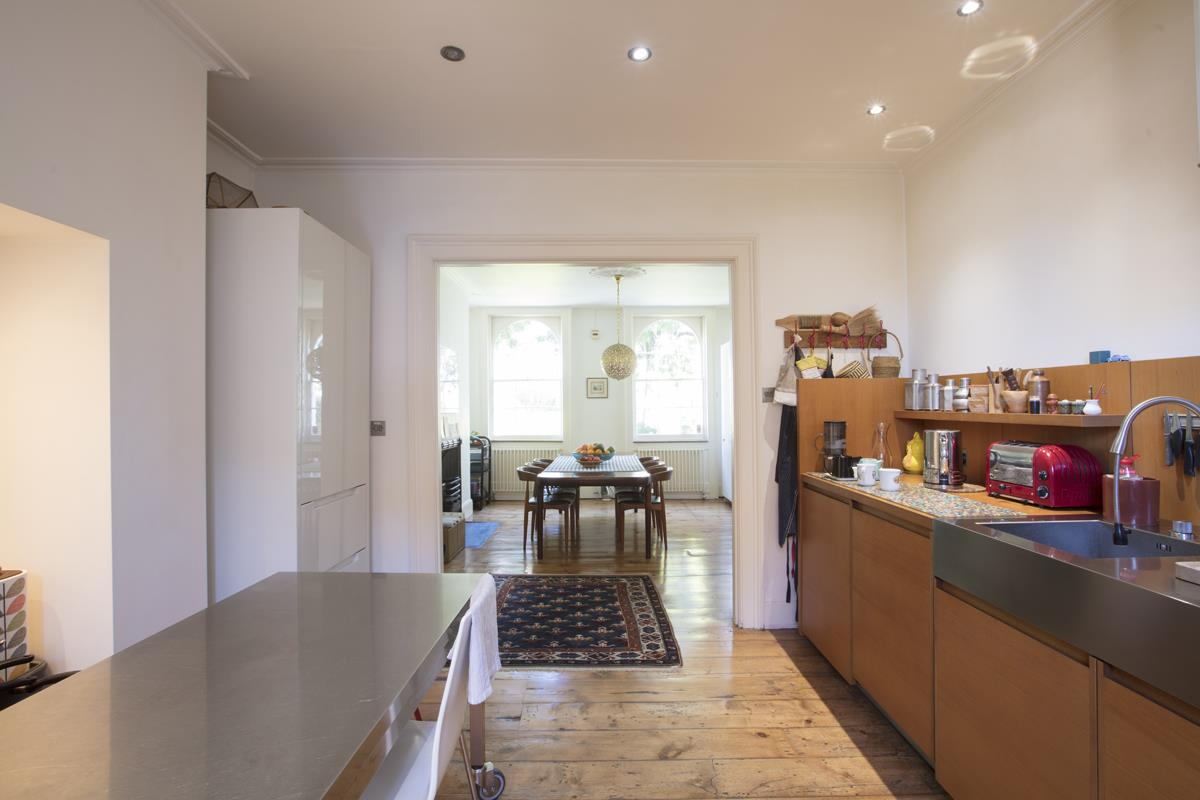 House - Terraced Sale Agreed in Grove Lane, Camberwell, SE5 582 view6