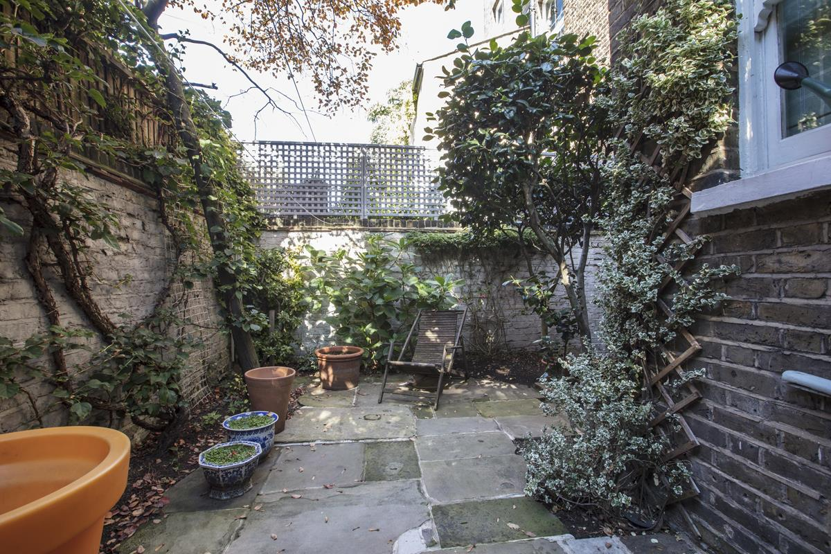 House - Terraced Sale Agreed in Grove Lane, Camberwell, SE5 582 view13