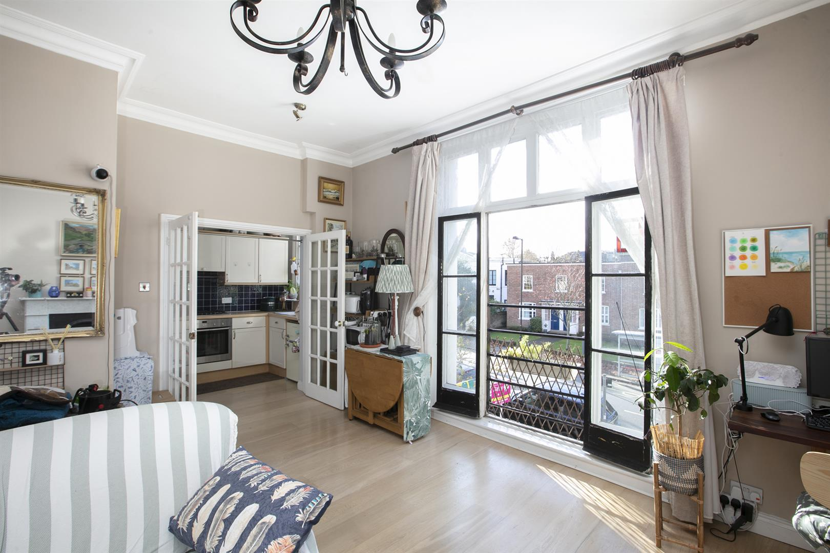 Flat - Conversion For Sale in Grove Lane, Camberwell, SE5 748 view3
