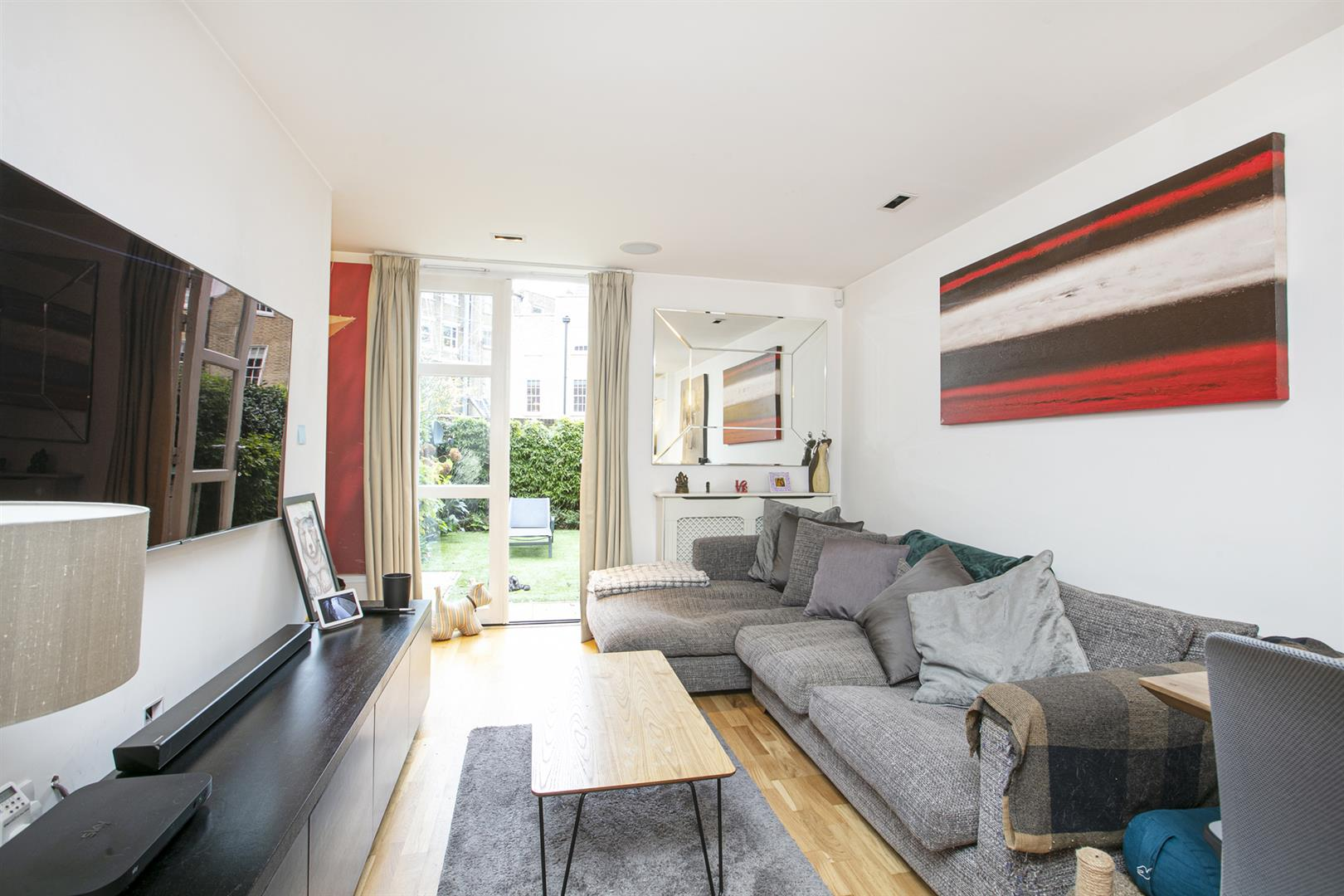 House - End Terrace For Sale in Grove Lane, Camberwell, SE5 780 view1