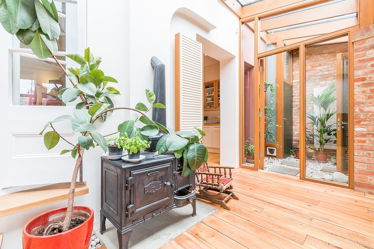 House - Semi-Detached Sold in Grove Park, Camberwell, SE5 268 view14