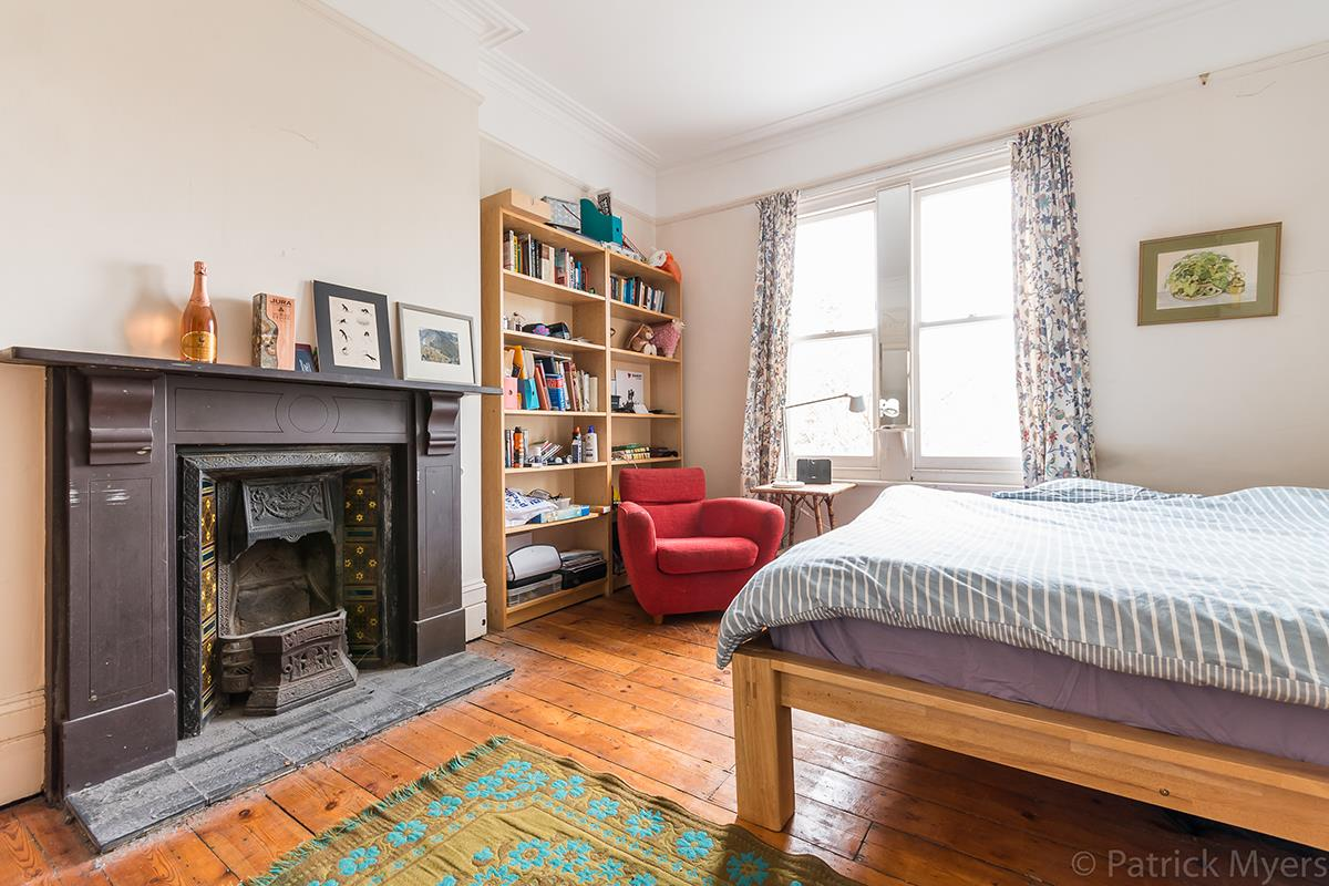 House - Semi-Detached Sold in Grove Park, Camberwell, SE5 268 view18