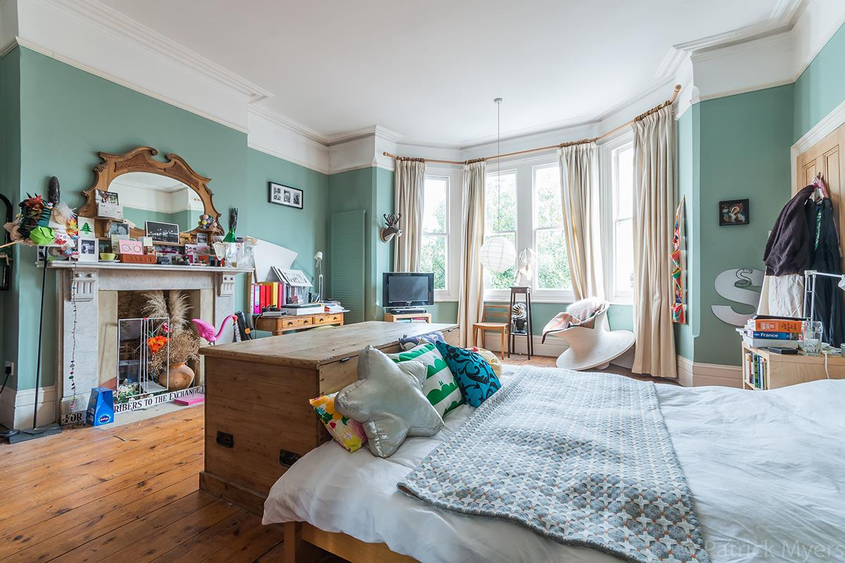 House - Semi-Detached Sold in Grove Park, Camberwell, SE5 268 view22