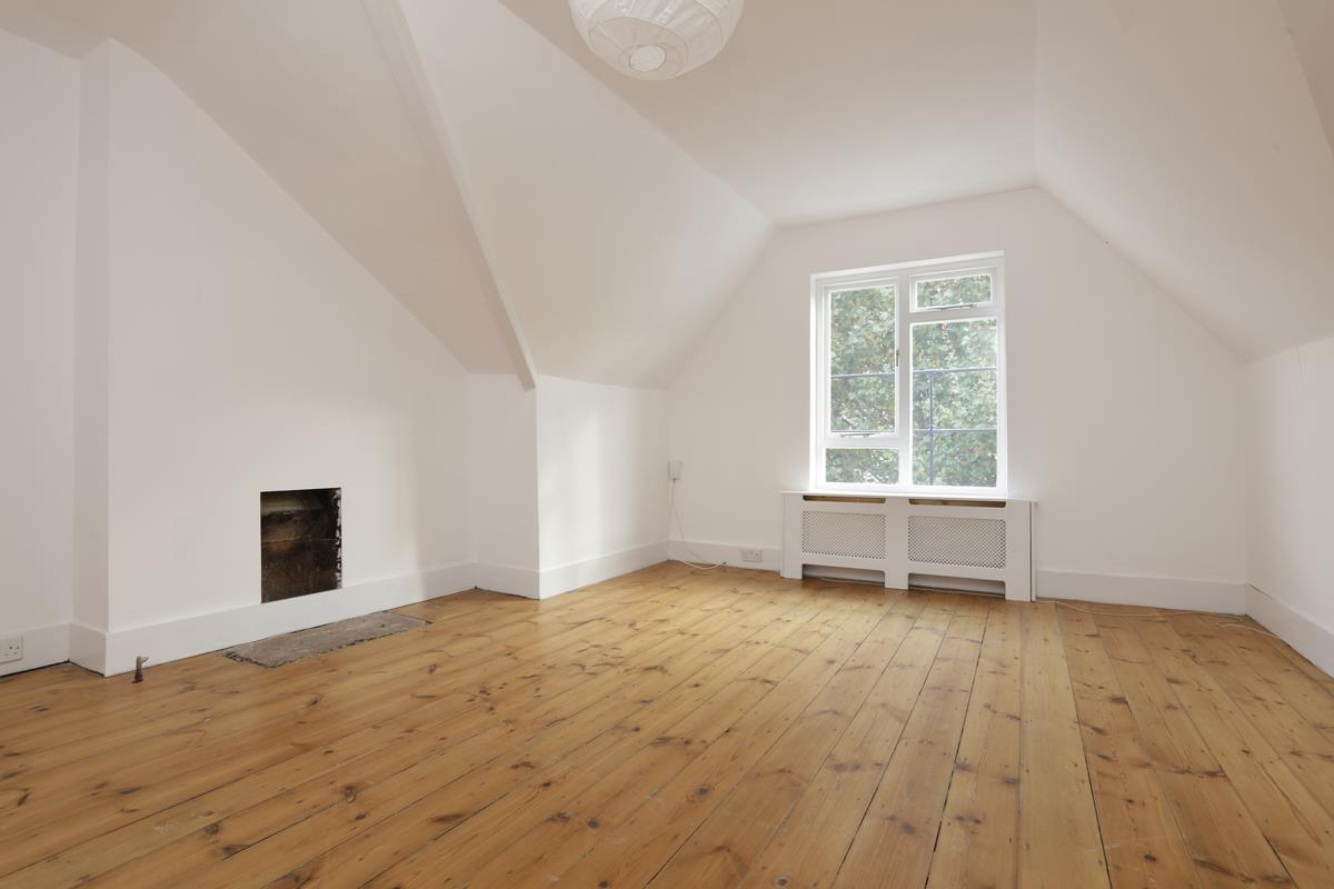 Flat - Conversion For Sale in Grove Park, Camberwell, SE5 427 view3
