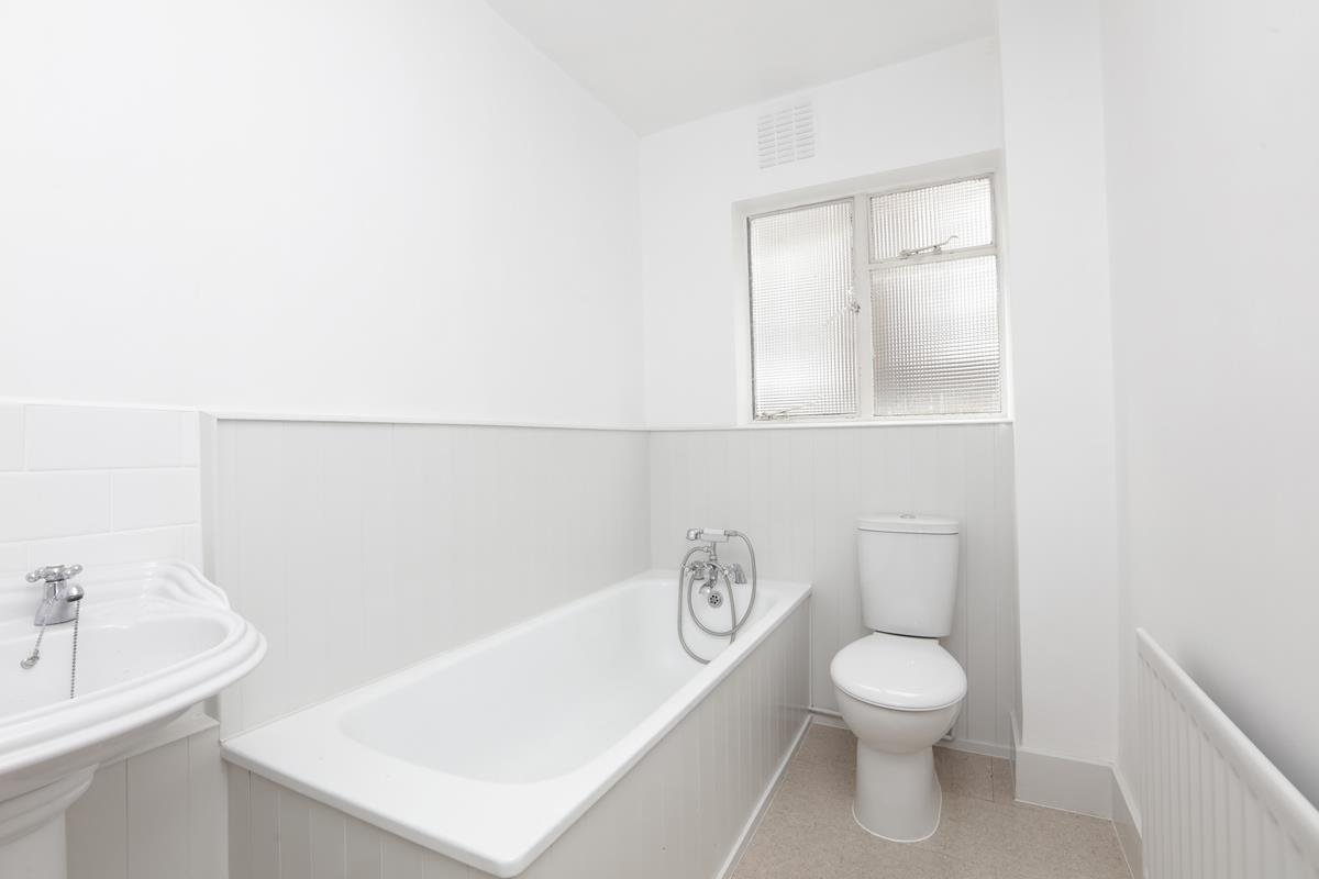 Flat - Conversion For Sale in Grove Park, Camberwell, SE5 427 view7