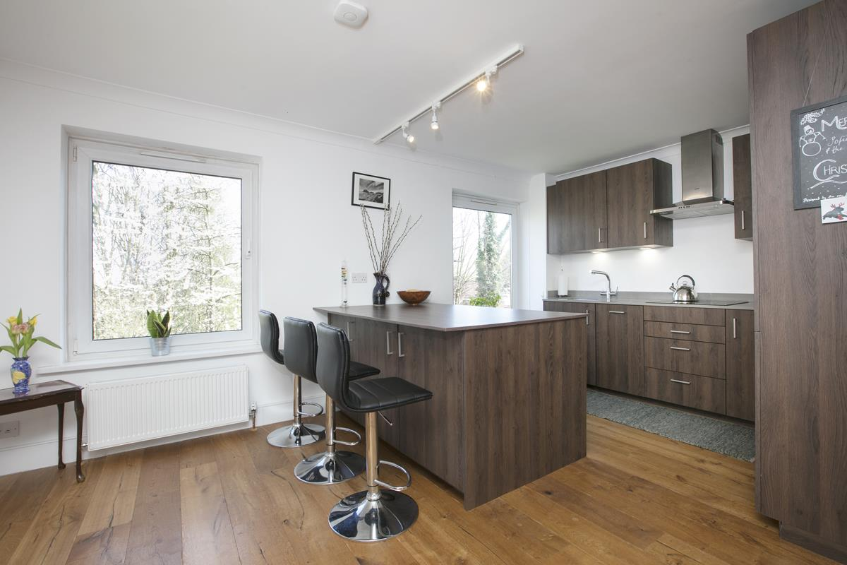House - Semi-Detached For Sale in Grove Park, Camberwell, SE5 432 view6