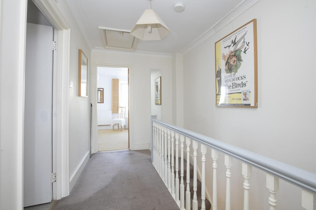 House - Semi-Detached For Sale in Grove Park, Camberwell, SE5 432 view25