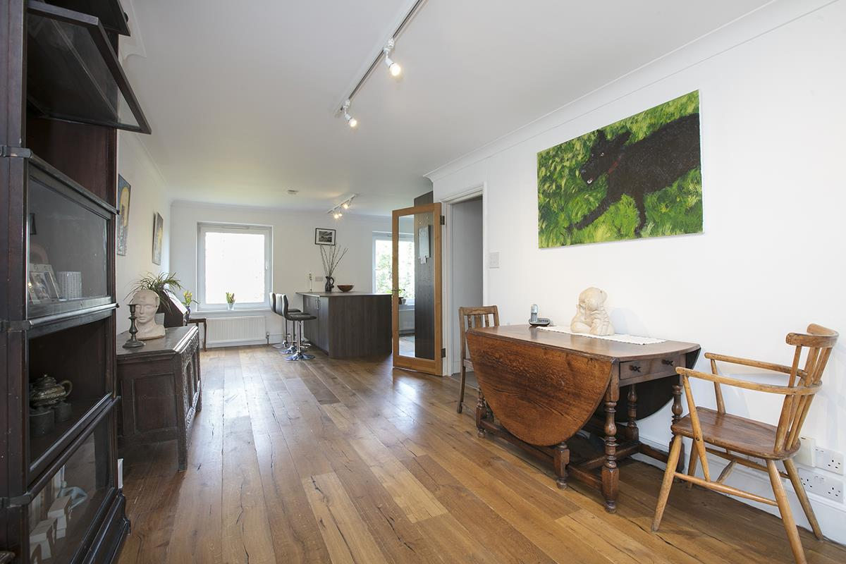 House - Semi-Detached For Sale in Grove Park, Camberwell, SE5 432 view10