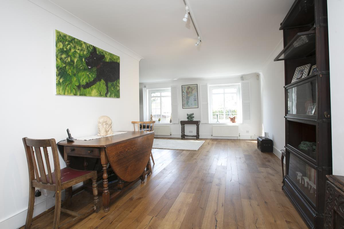 House - Semi-Detached For Sale in Grove Park, Camberwell, SE5 432 view12