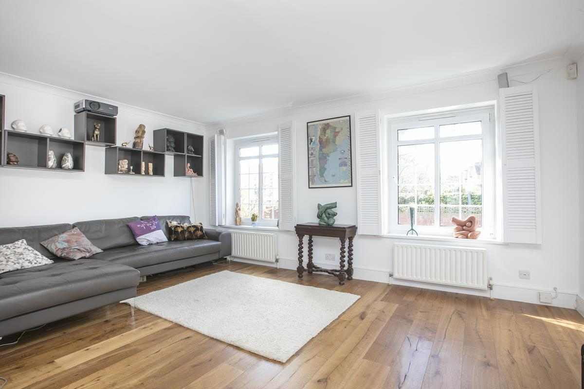 House - Semi-Detached For Sale in Grove Park, Camberwell, SE5 432 view9
