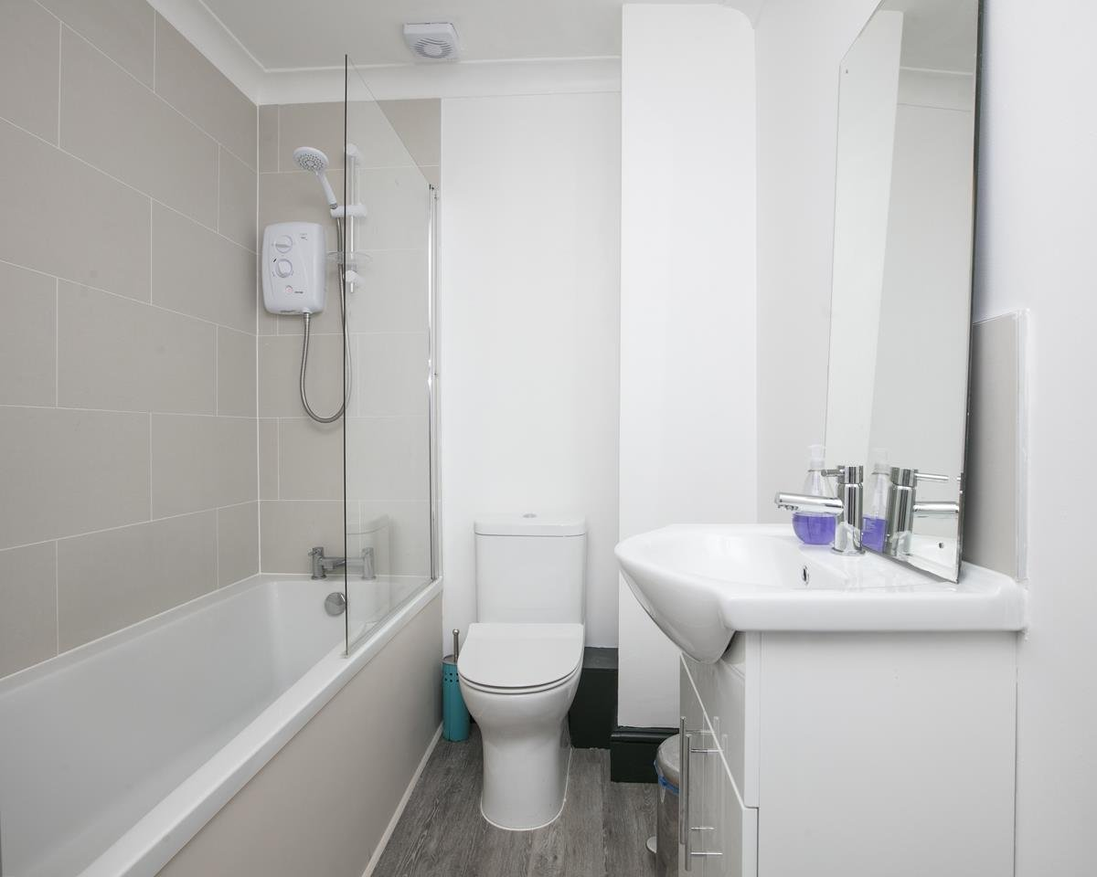 House - Semi-Detached For Sale in Grove Park, Camberwell, SE5 432 view24
