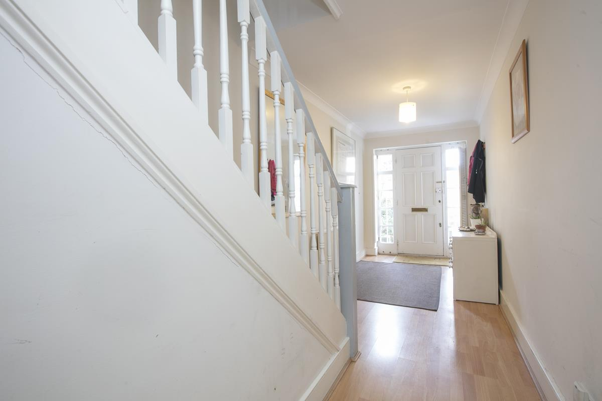 House - Semi-Detached For Sale in Grove Park, Camberwell, SE5 432 view14