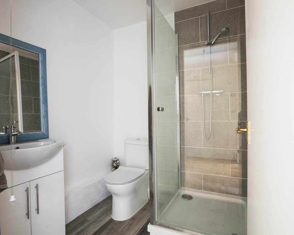 House - Semi-Detached For Sale in Grove Park, Camberwell, SE5 432 view21