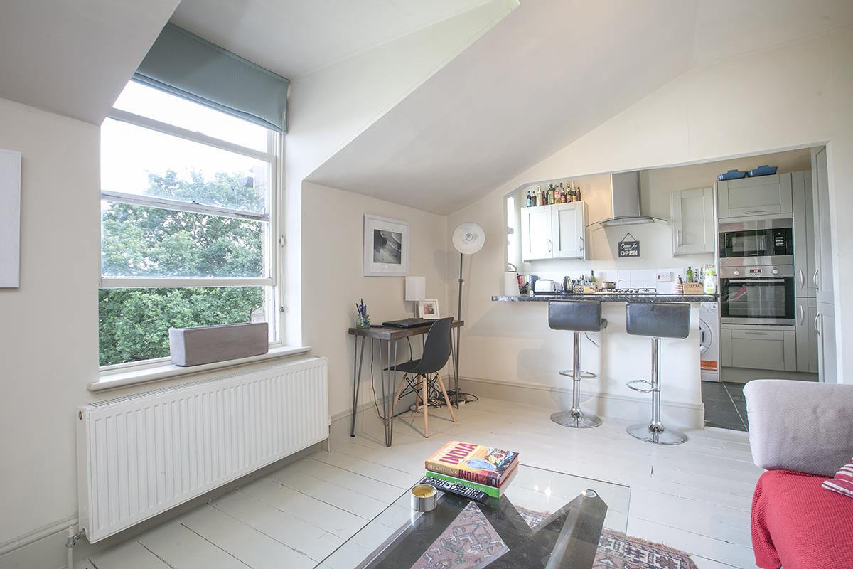 Flat - Conversion For Sale in Grove Park, Camberwell, SE5 473 view3