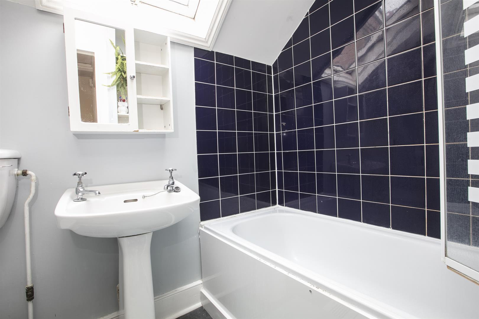 Flat - Conversion For Sale in Grove Park, Camberwell, SE5 546 view7