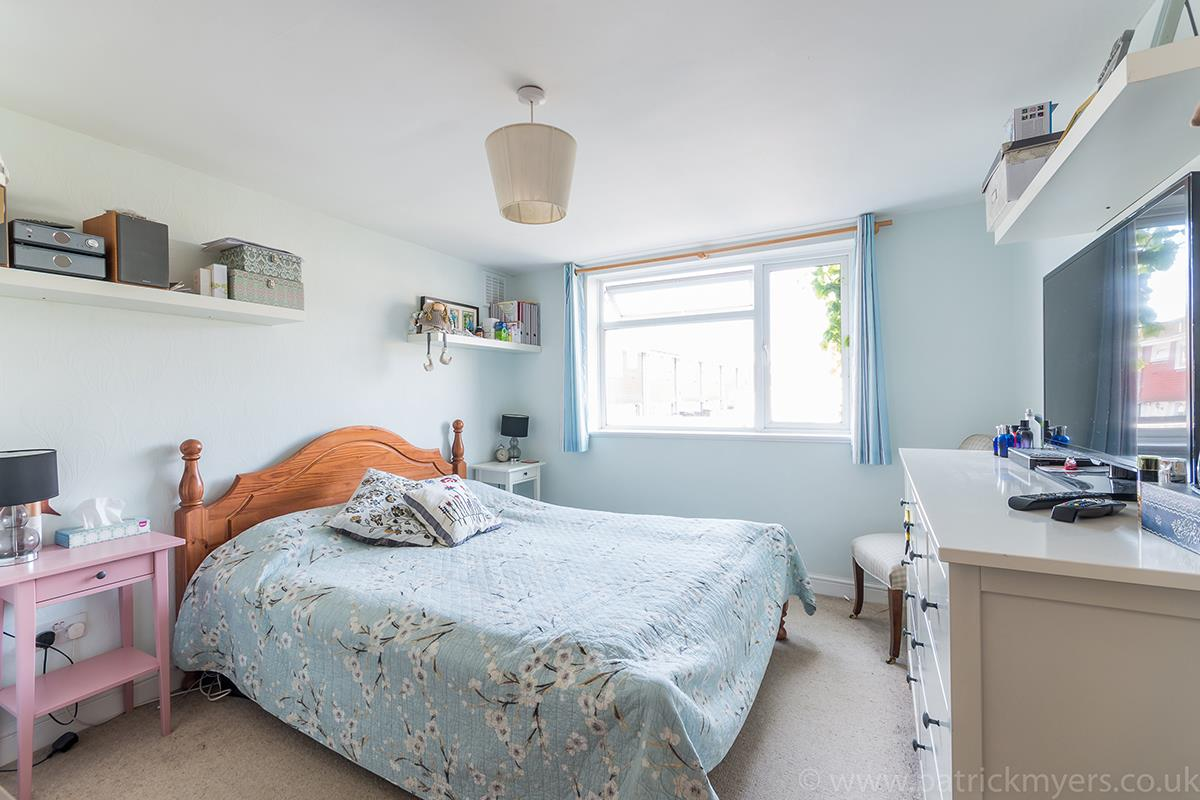 House - Semi-Detached For Sale in Halifax Street, SE26 315 view11