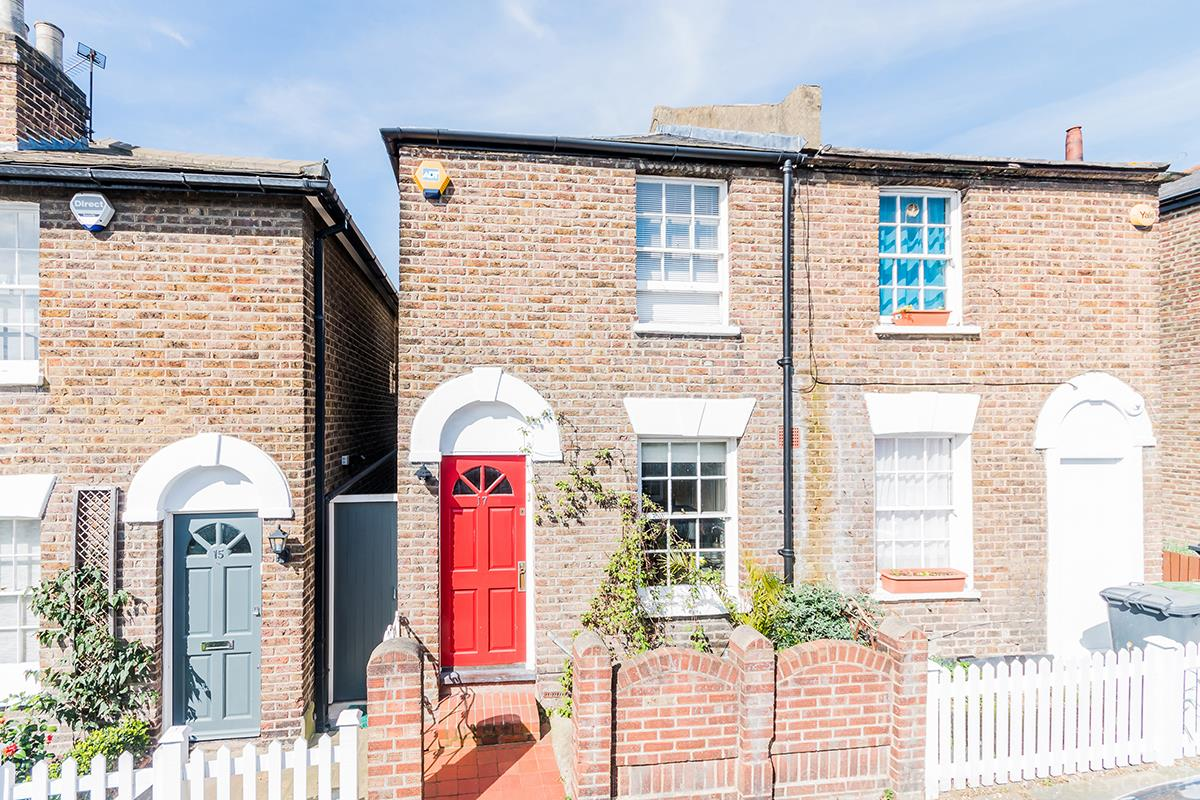 House - Semi-Detached For Sale in Halifax Street, SE26 315 view1