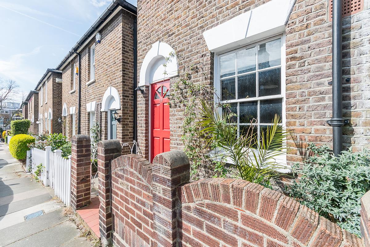 House - Semi-Detached For Sale in Halifax Street, SE26 315 view3