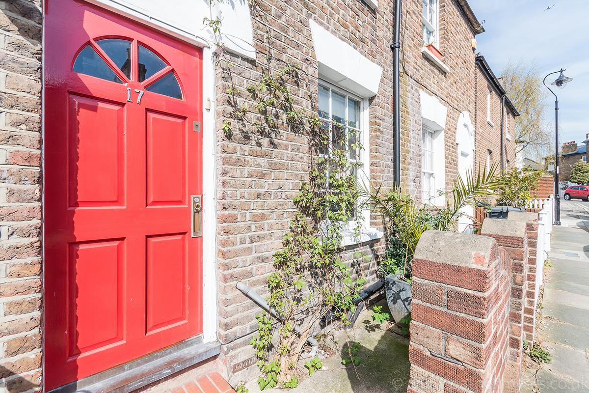 House - Semi-Detached For Sale in Halifax Street, SE26 315 view5
