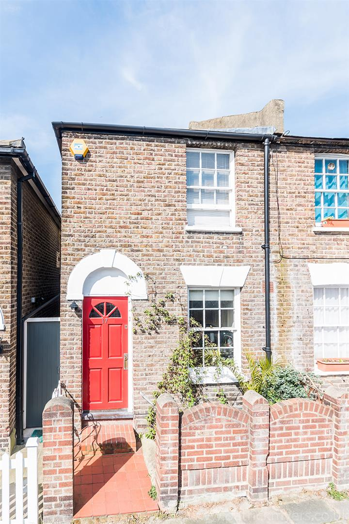 House - Semi-Detached For Sale in Halifax Street, SE26 315 view6