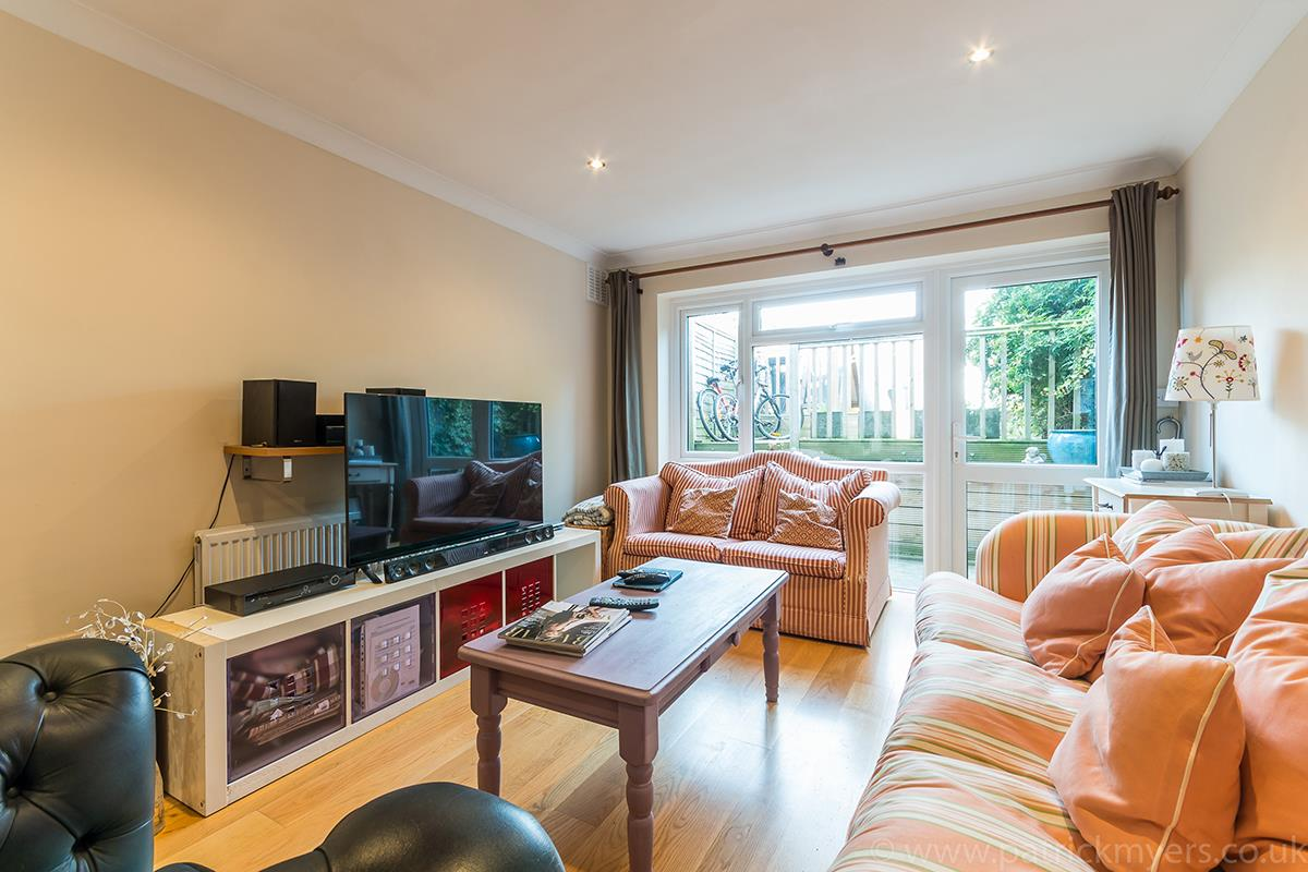 House - Semi-Detached For Sale in Halifax Street, SE26 315 view2