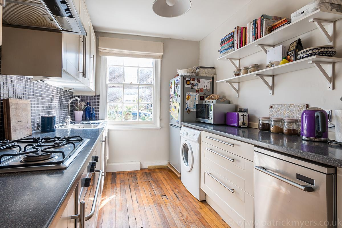House - Semi-Detached For Sale in Halifax Street, SE26 315 view8