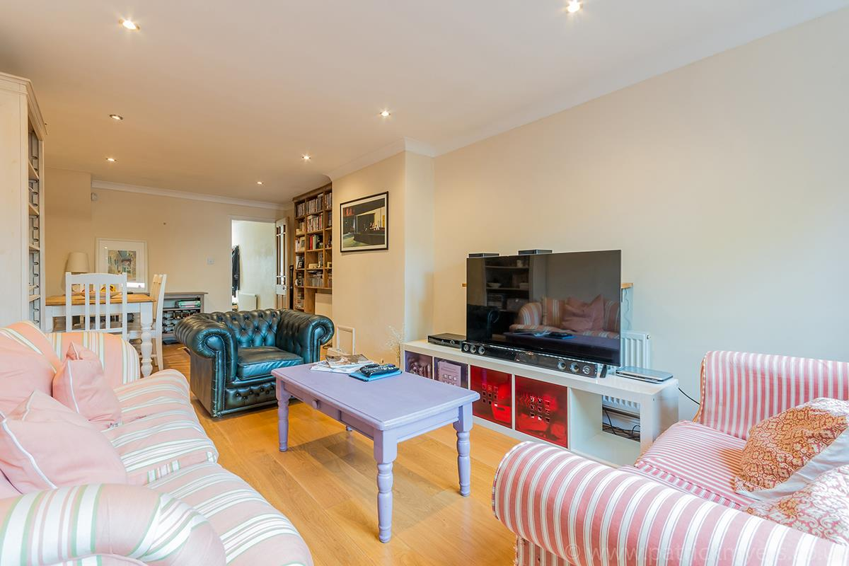 House - Semi-Detached For Sale in Halifax Street, SE26 315 view9