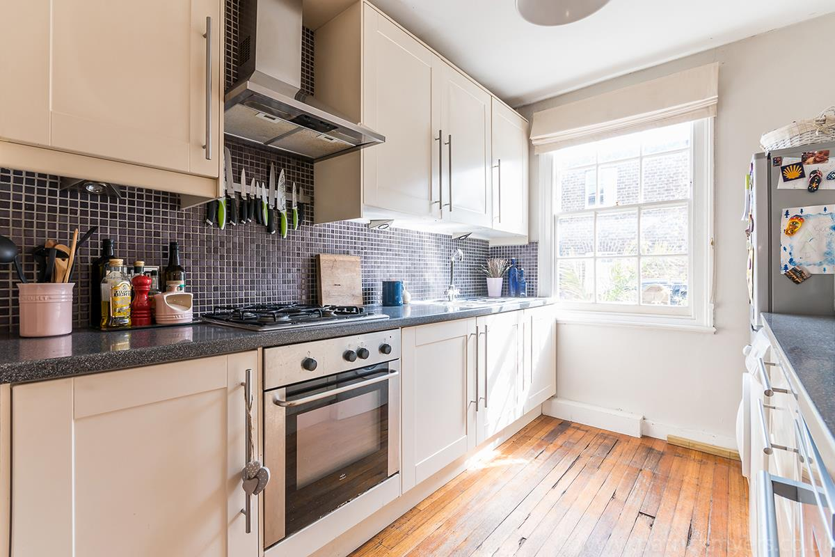 House - Semi-Detached For Sale in Halifax Street, SE26 315 view4
