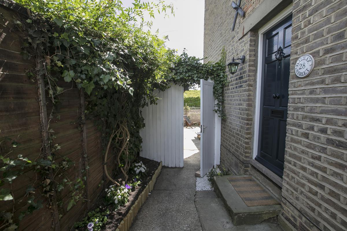 House - Semi-Detached For Sale in Halifax Street, Sydenham, SE26 350 view30