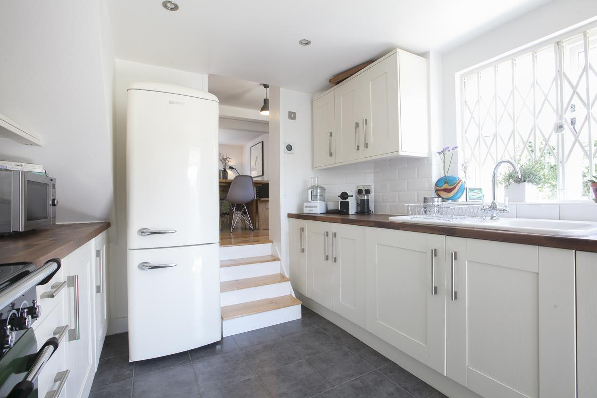 House - Semi-Detached For Sale in Halifax Street, Sydenham, SE26 350 view21