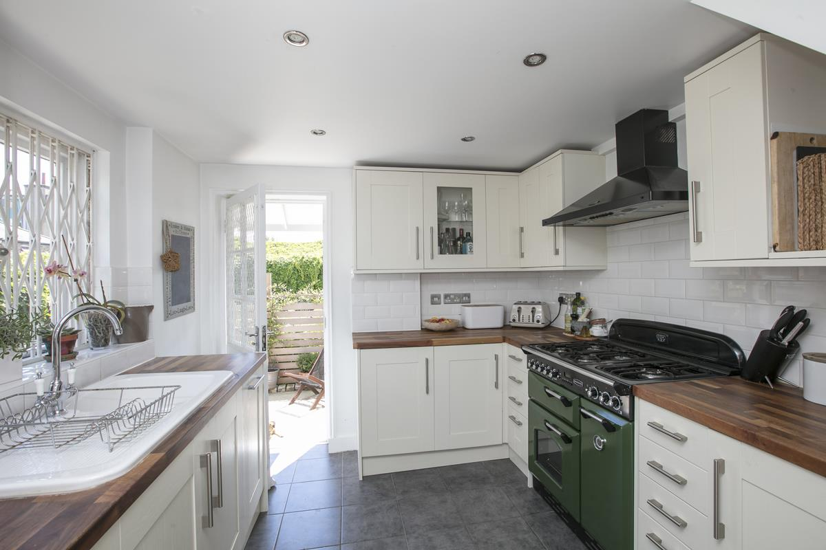 House - Semi-Detached For Sale in Halifax Street, Sydenham, SE26 350 view3