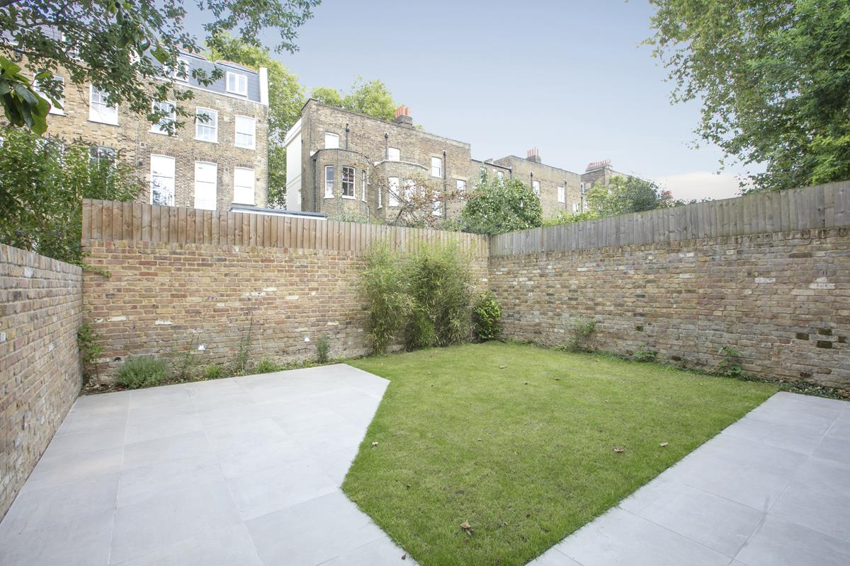 House - Link Detached For Sale in Harfield Gardens, Grove Lane, Camberwell, SE5 531 view14