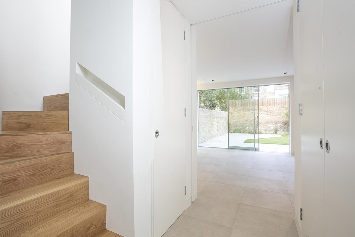 House - Link Detached For Sale in Harfield Gardens, Grove Lane, Camberwell, SE5 531 view4