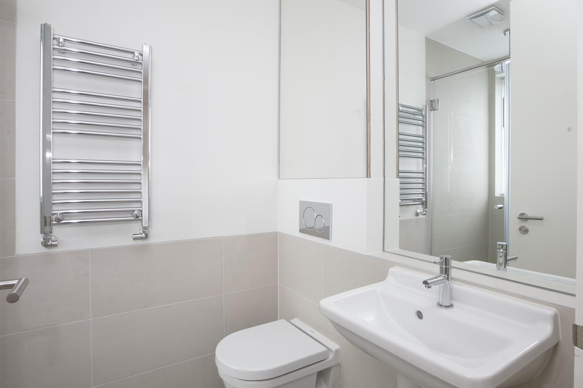House - Link Detached For Sale in Harfield Gardens, Grove Lane, Camberwell, SE5 531 view16