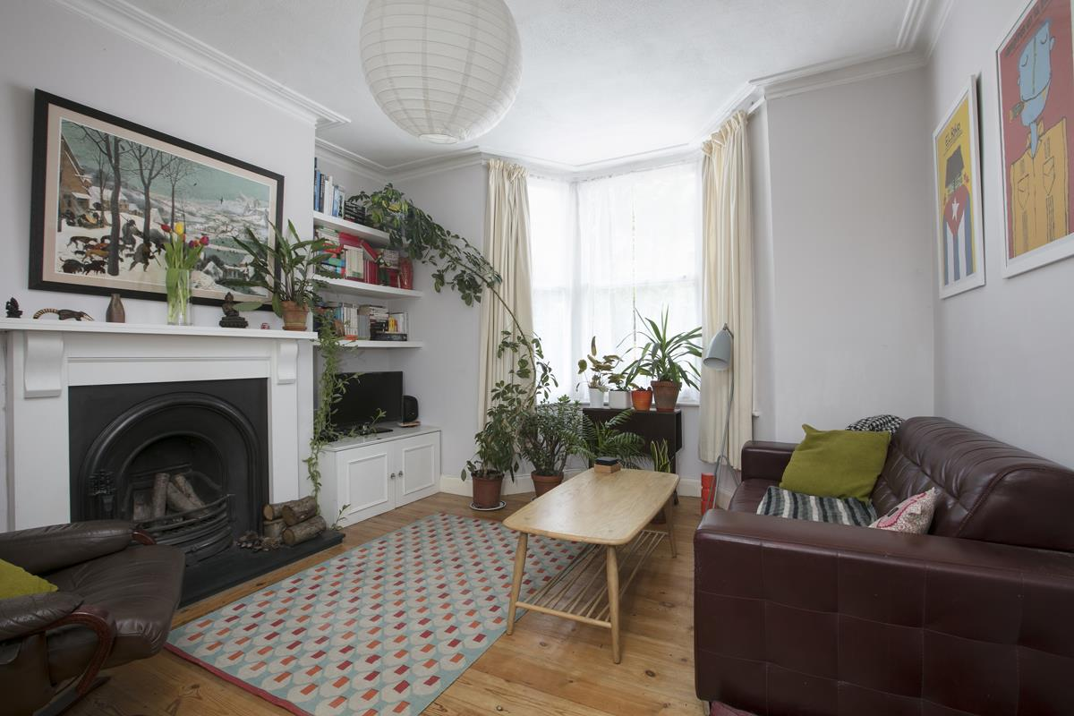 Flat - Conversion Sold in Henslowe Road, East Dulwich, SE22 262 view1