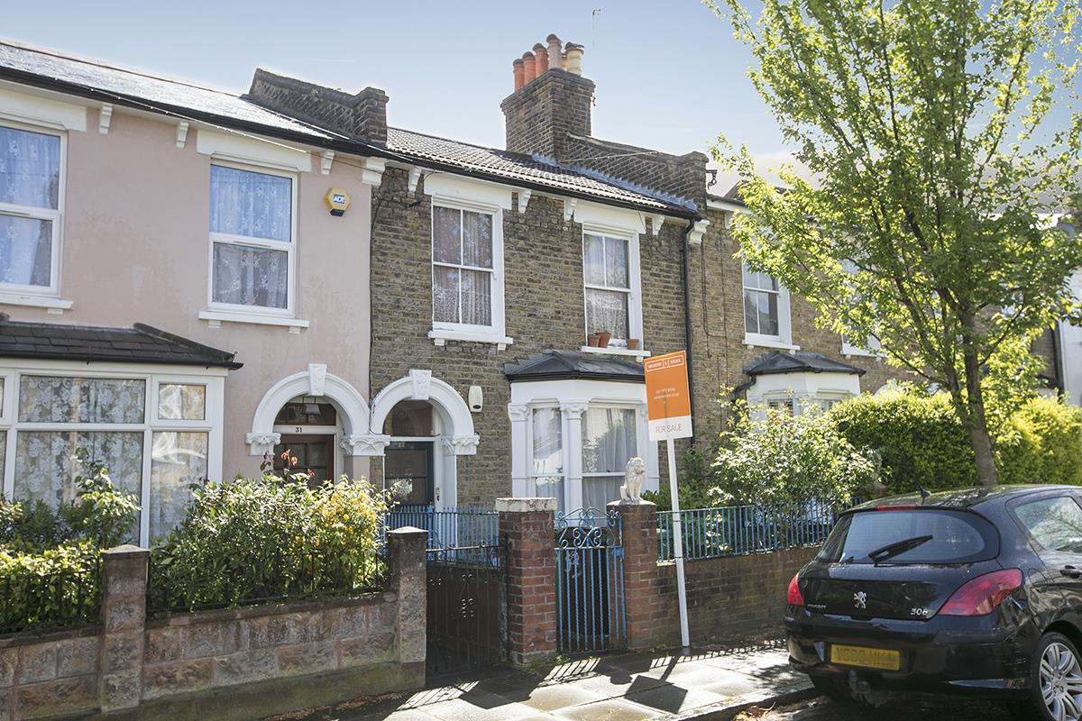 Flat - Conversion Sold in Henslowe Road, East Dulwich, SE22 262 view2