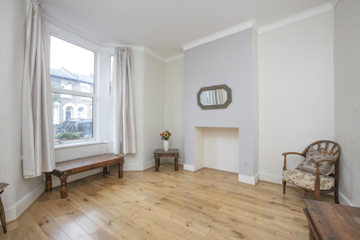 House - Terraced Sold in Hollydale Road, Nunhead, SE15 490 view2