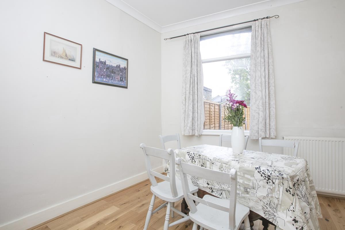 House - Terraced Sold in Hollydale Road, Nunhead, SE15 490 view4
