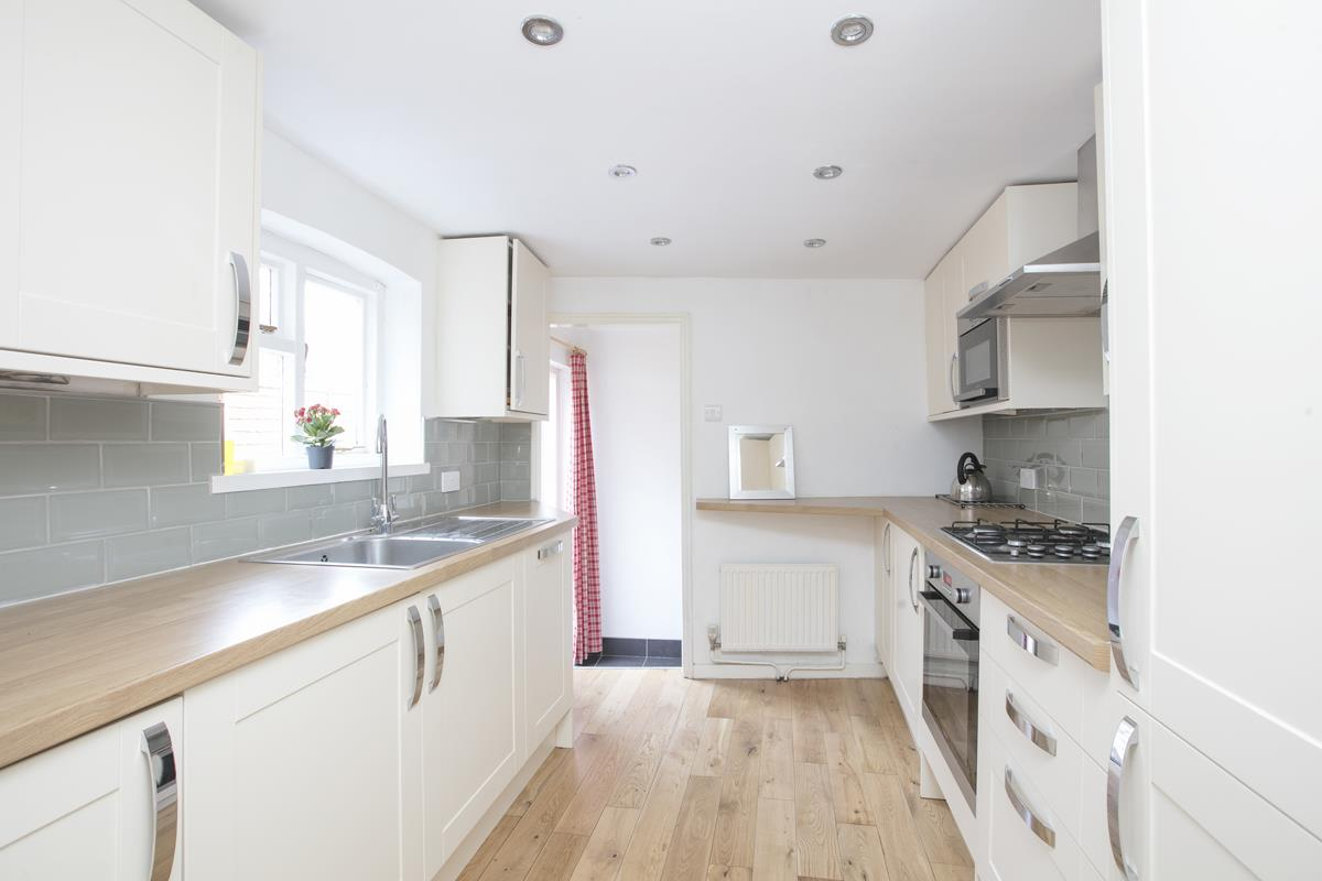 House - Terraced Sold in Hollydale Road, Nunhead, SE15 490 view5