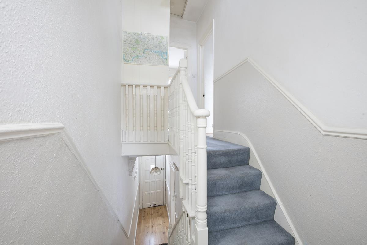 House - Terraced Sold in Hollydale Road, Nunhead, SE15 490 view10