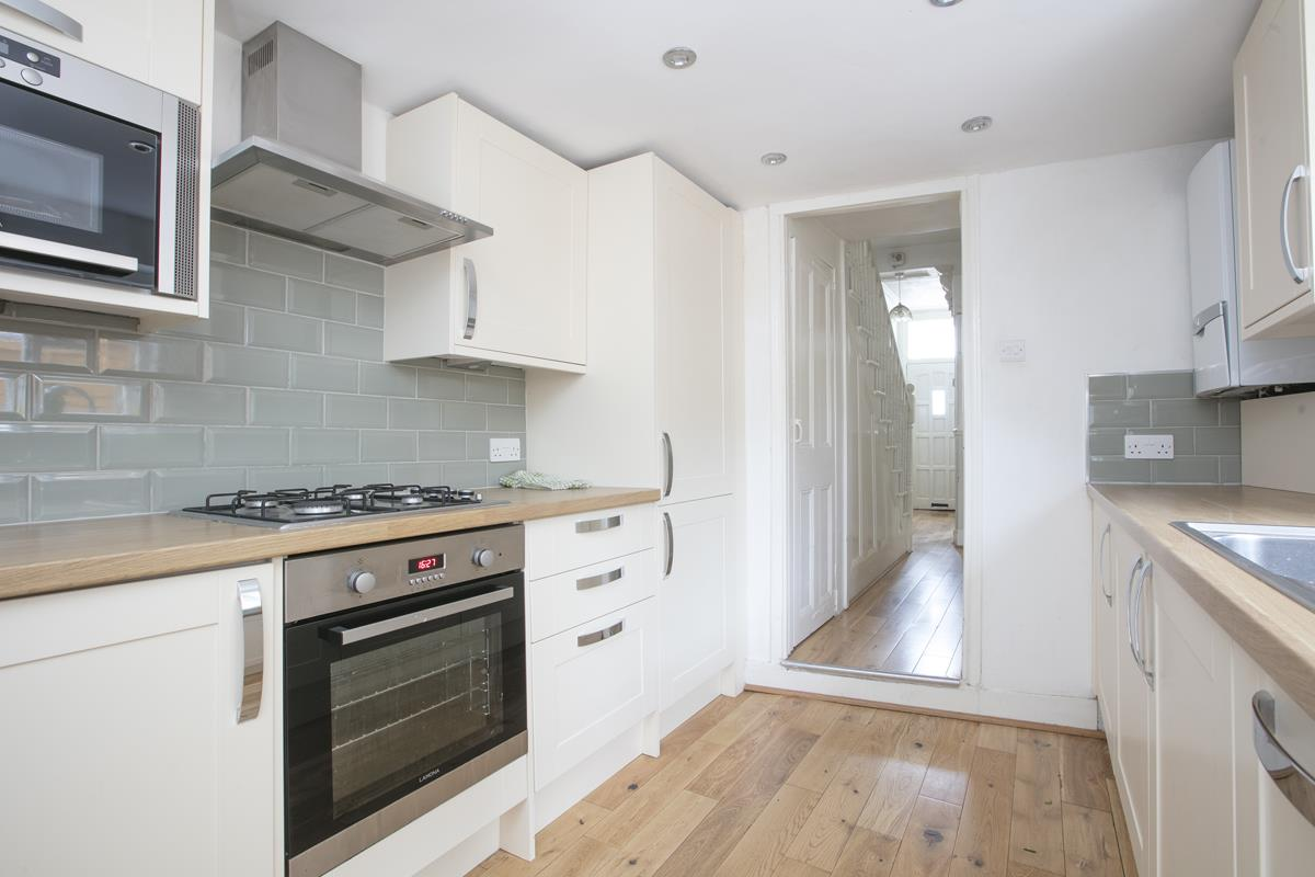House - Terraced Sold in Hollydale Road, Nunhead, SE15 490 view3