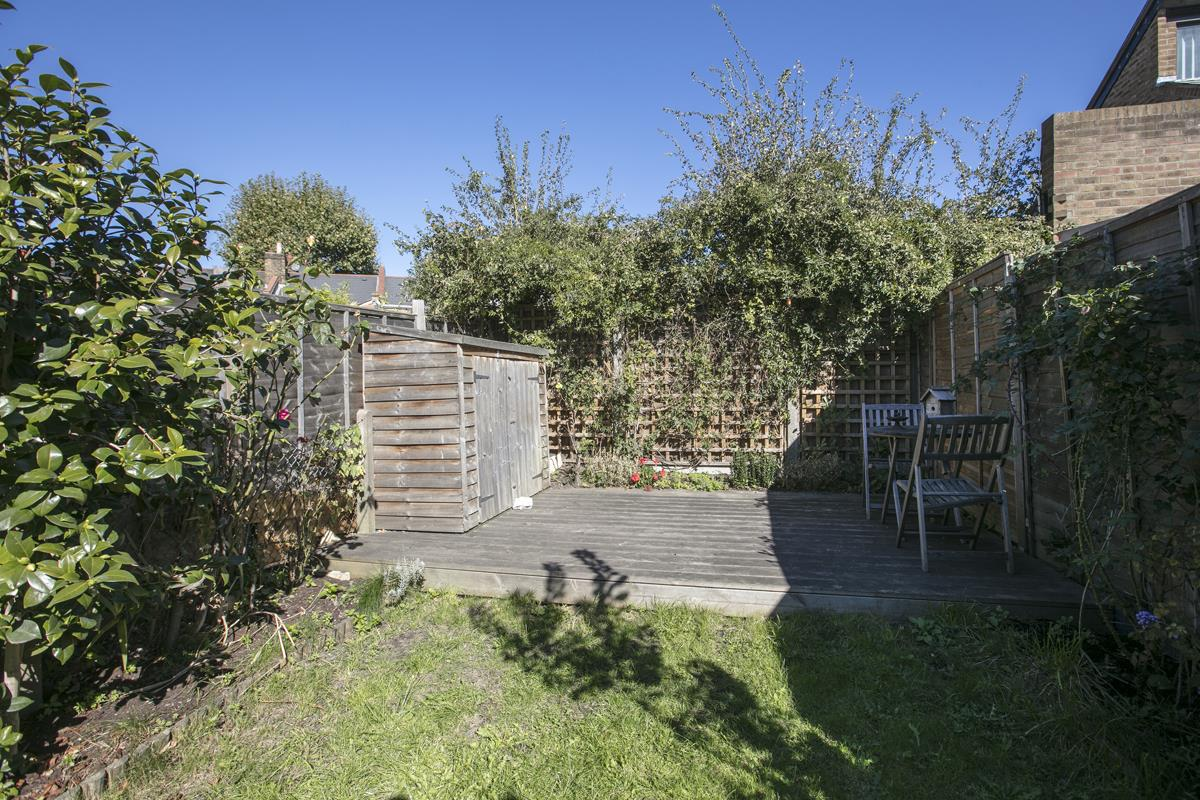 House - Terraced For Sale in Howbury Road, Nunhead, SE15 366 view17