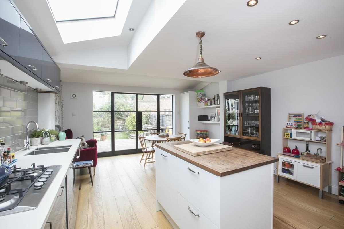 House - Terraced For Sale in Howbury Road, Nunhead, SE15 366 view7