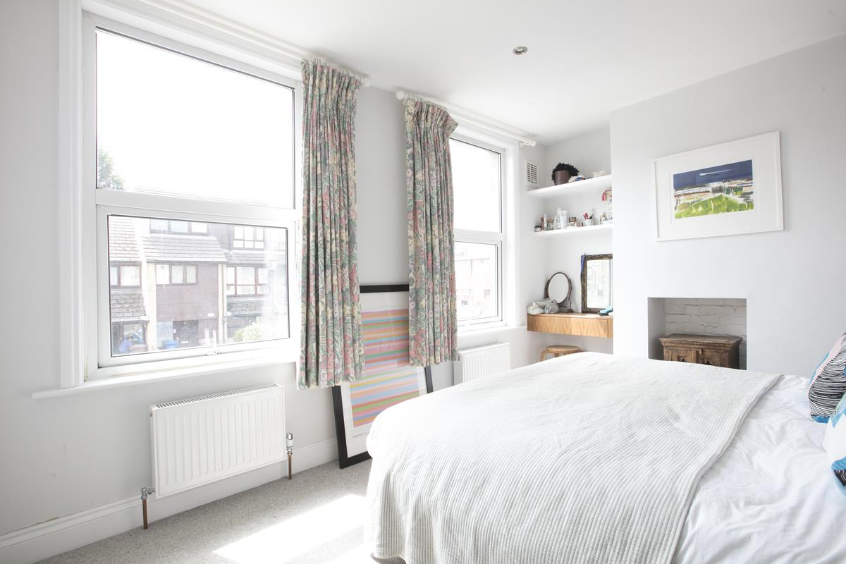 House - Terraced For Sale in Howbury Road, Nunhead, SE15 366 view13