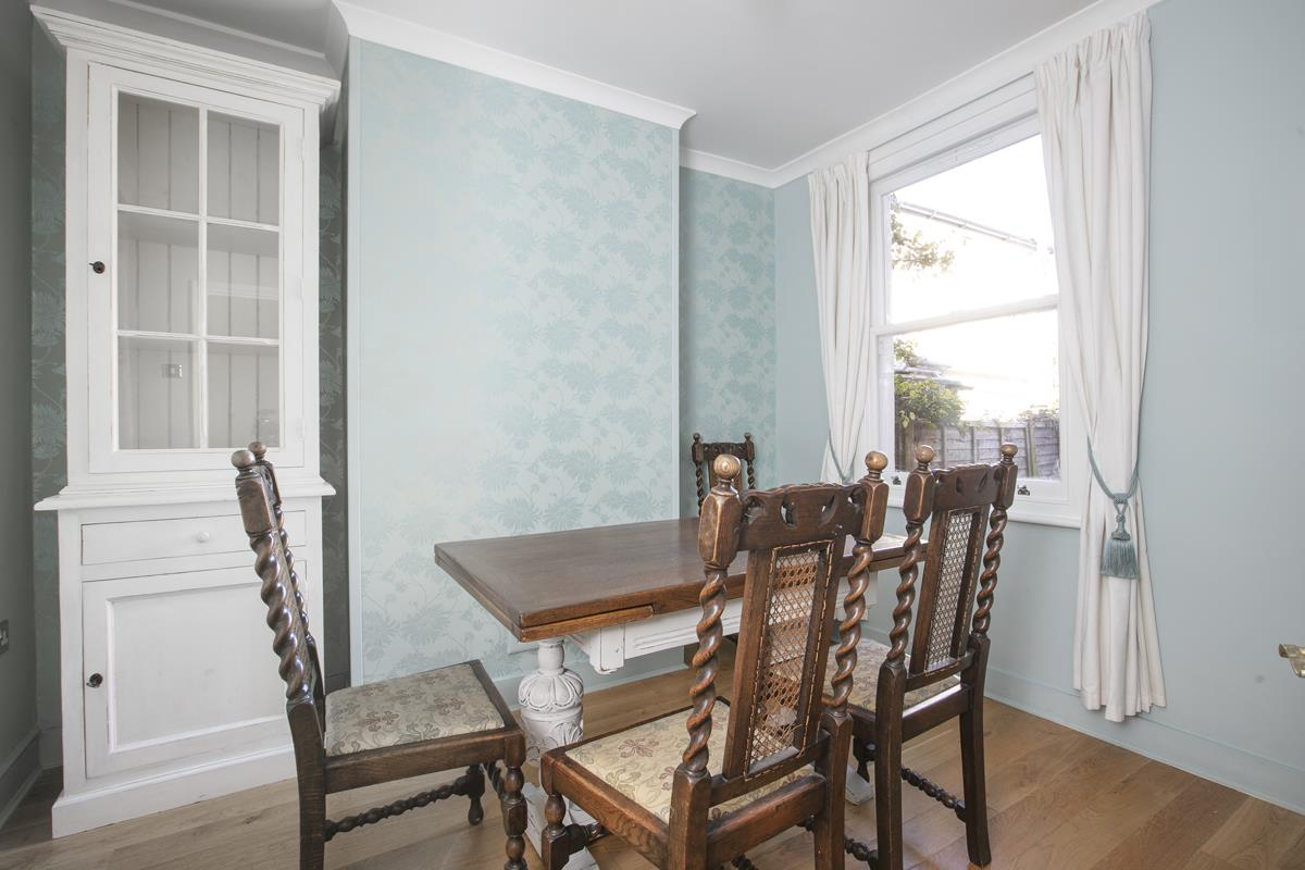 House - Terraced For Sale in Howbury Road, Nunhead, SE15 385 view6