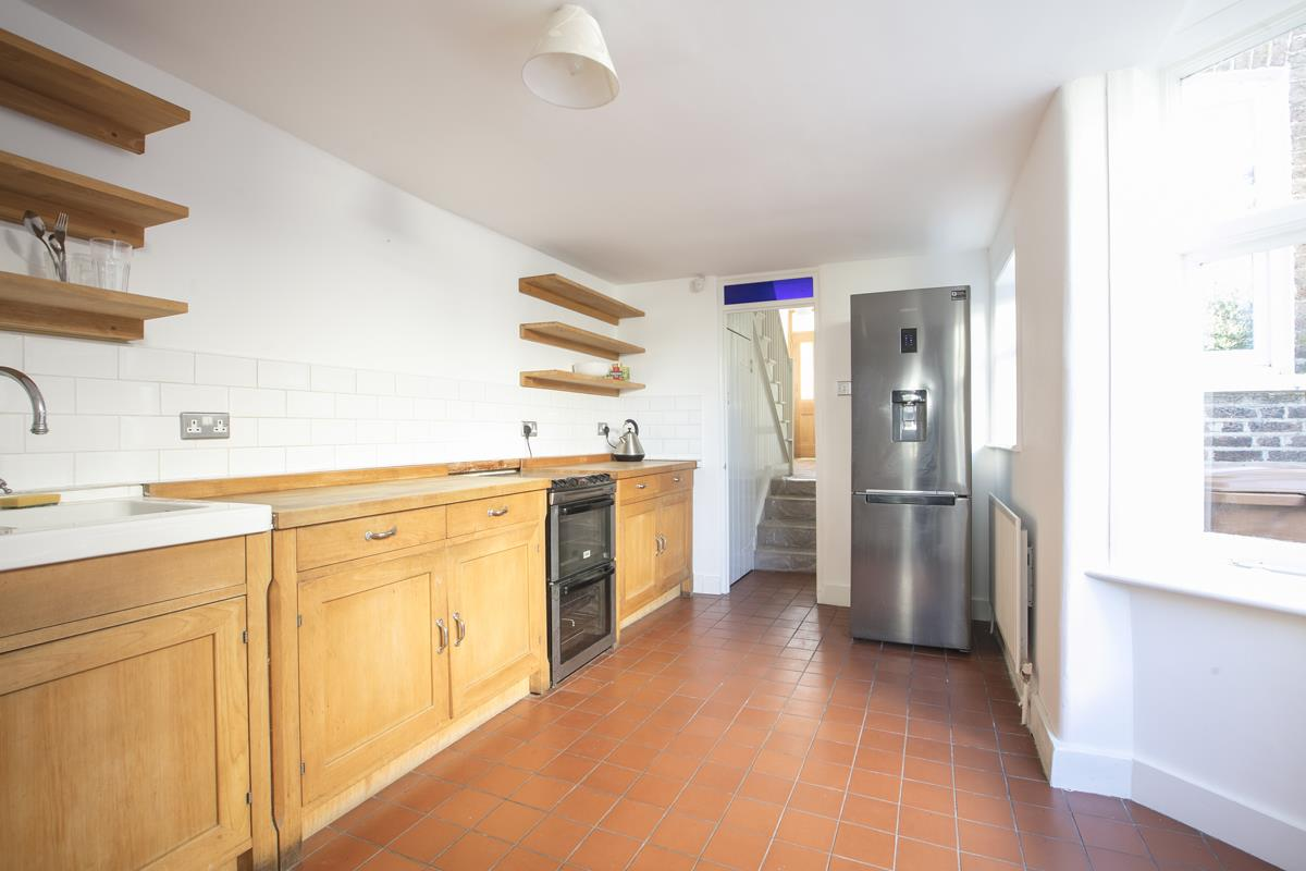 House - Terraced For Sale in Howbury Road, Nunhead, SE15 385 view5