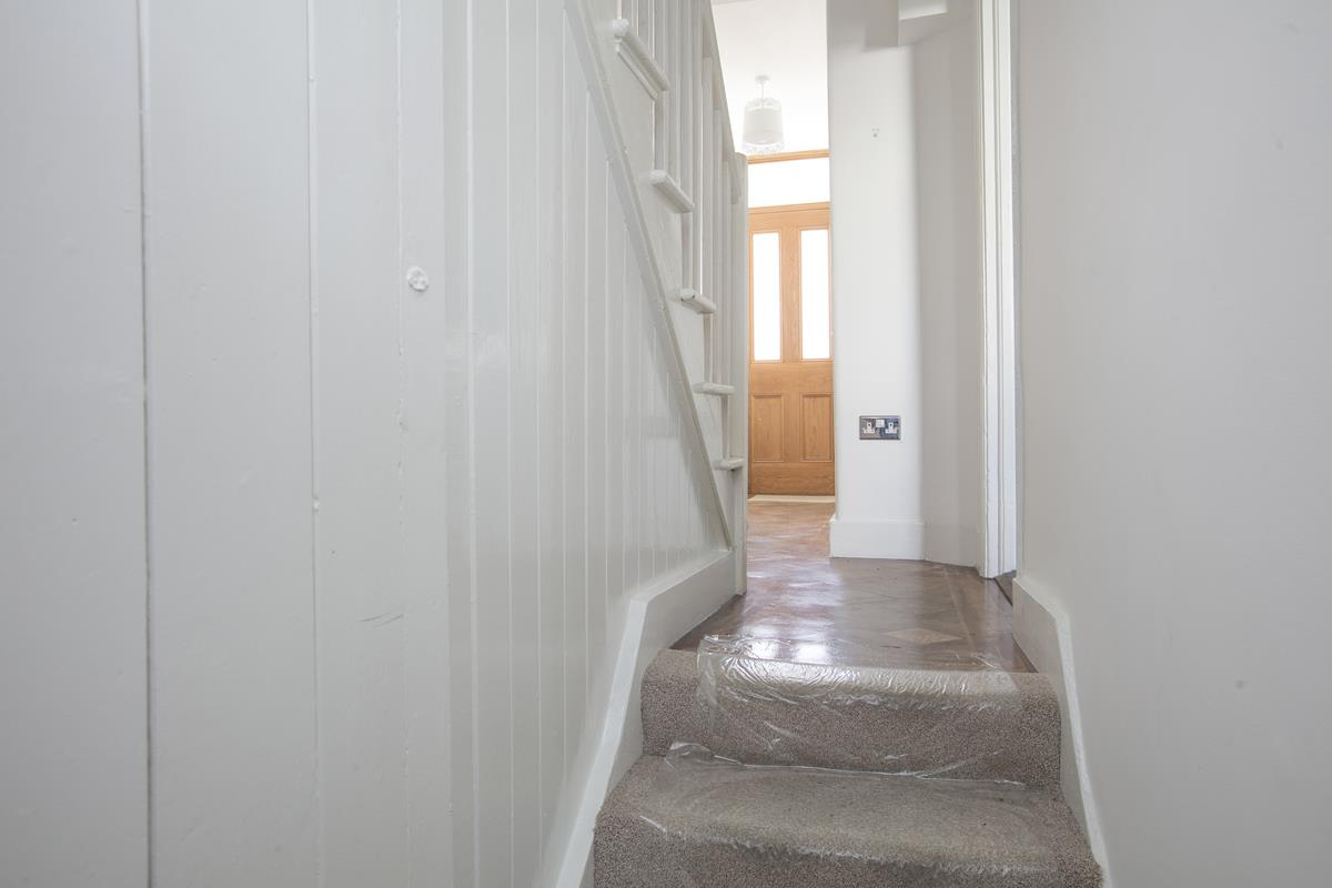 House - Terraced For Sale in Howbury Road, Nunhead, SE15 385 view10