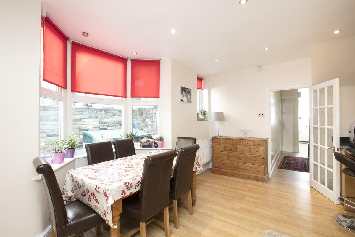 House - Terraced Sold in Ivydale Road, Nunhead, SE15 365 view9