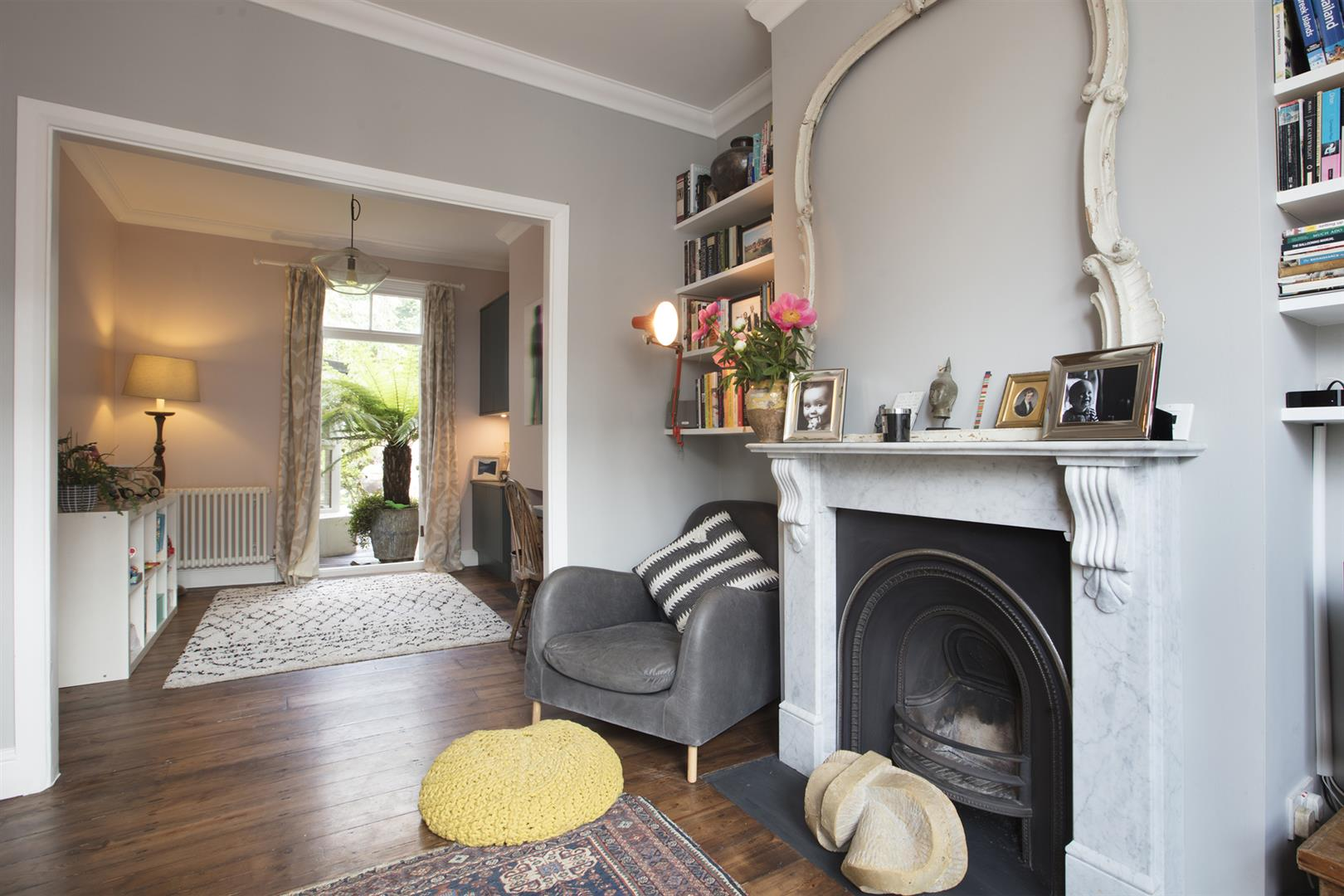 House - Terraced Sale Agreed in Kirkwood Road, Nunhead, SE15 609 view5