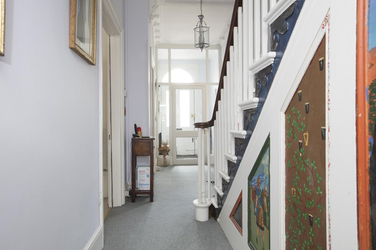 House - Semi-Detached Sold in Linden Grove, Nunhead, SE15 311 view4